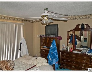 All this room needs is some color. A splash of blue will really turn the buyers on.