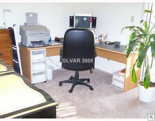 Is there a separate office-den or is this one of the bedrooms