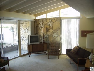 Mid Century Modern Home in Las Vegas. Jack LeVine represented both the buyer and seller in the this recently closed transaction