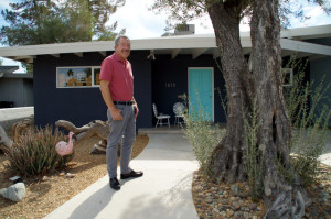 Vintage Vegas Realtor Jack LeVine in front of his 1954 Mid Century Modern Homes